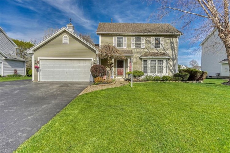 1070 Fawn Wood Drive, Webster, NY 14580