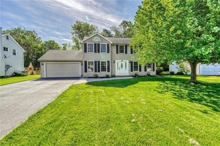 686 Brookeville Drive, Webster, NY 14580