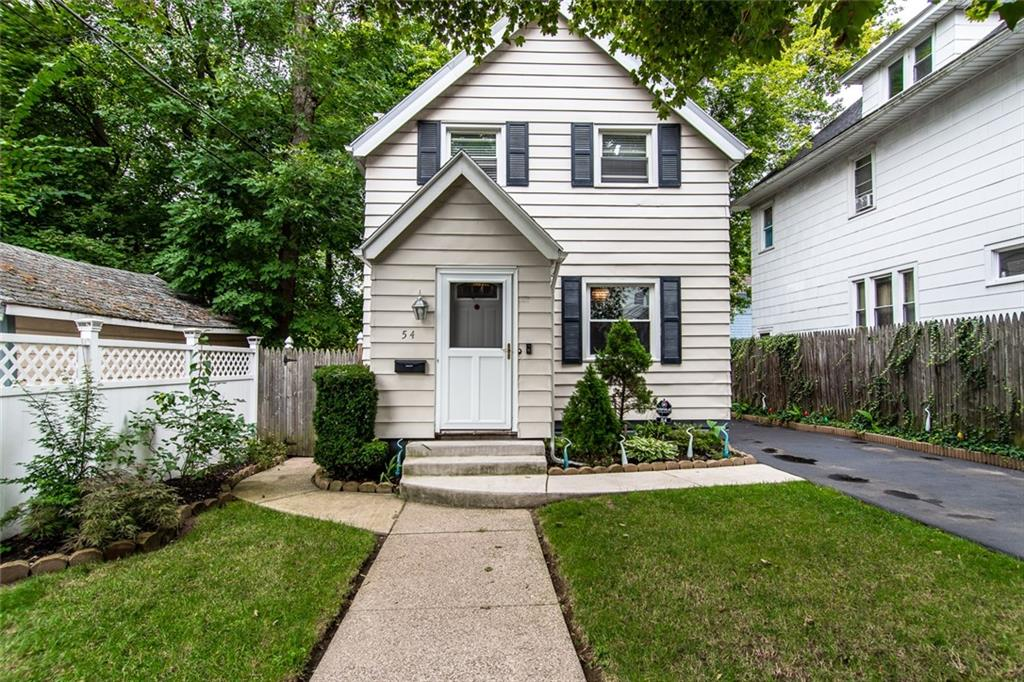 54 Ravenwood Avenue , Rochester, NY 14619