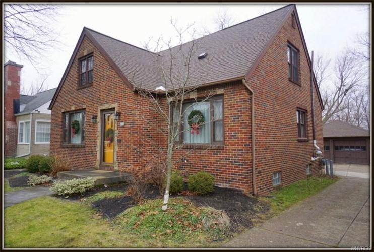 36 Garden Court, Amherst, NY 14226
