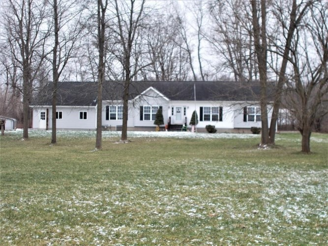 1422 W River Road, Fayette, NY 13165