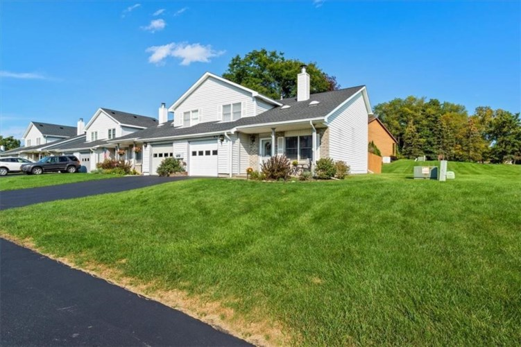 996 Cunningham Drive, Victor, NY 14564