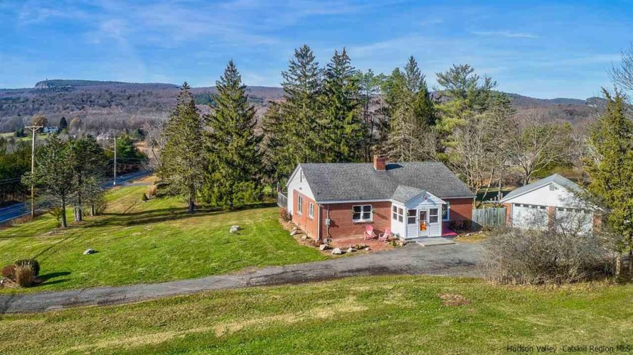 83 Mountain Rest Rd., New Paltz, NY 12561