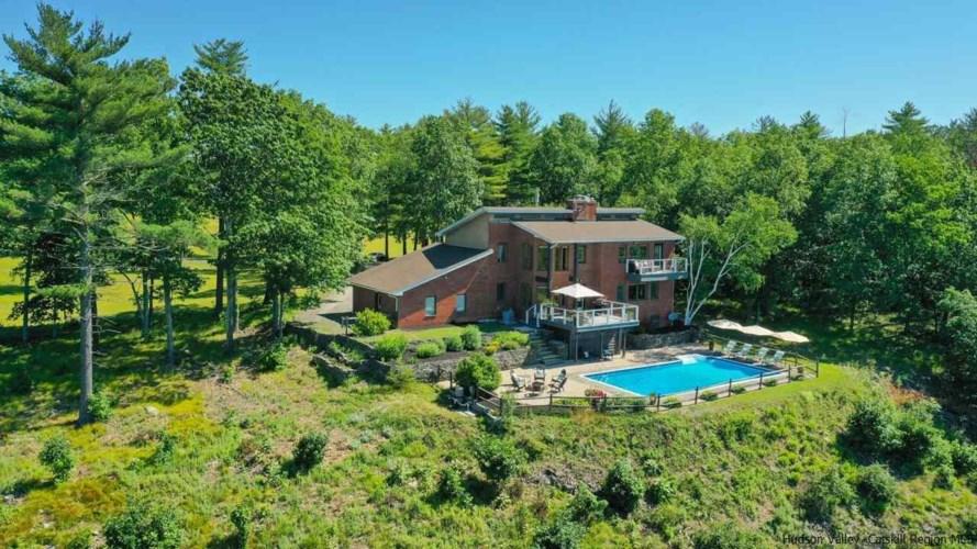 100 Bluestone Ridge, Hurley, NY 12491