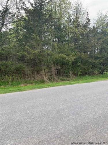 499 Sleepy Hollow Road J-063, Athens, NY 12015