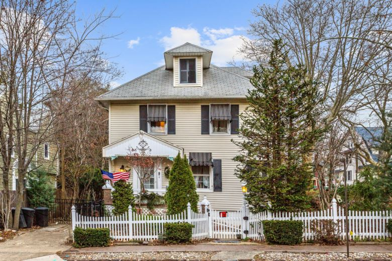 20 E Highland Avenue, Atlantic Highlands, NJ 07716