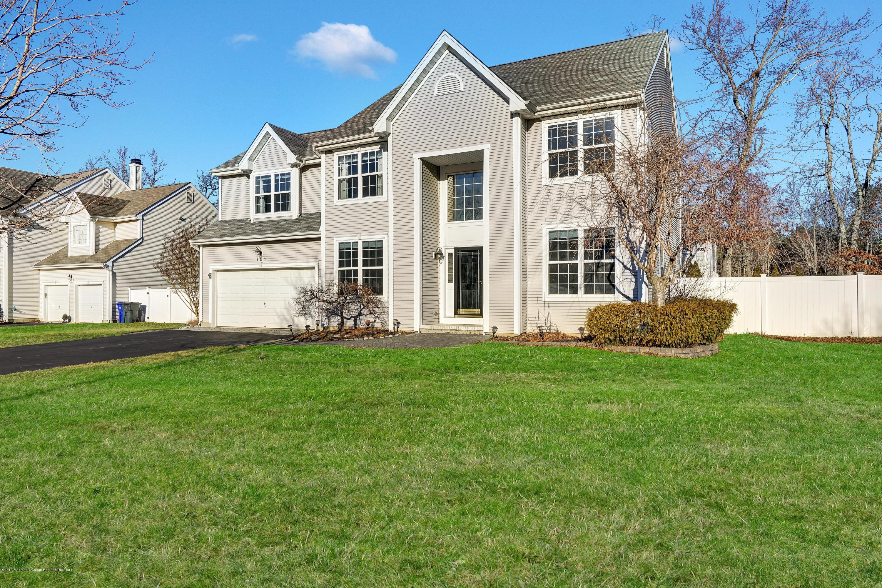 127 Nobility Court , Toms River, NJ 08755