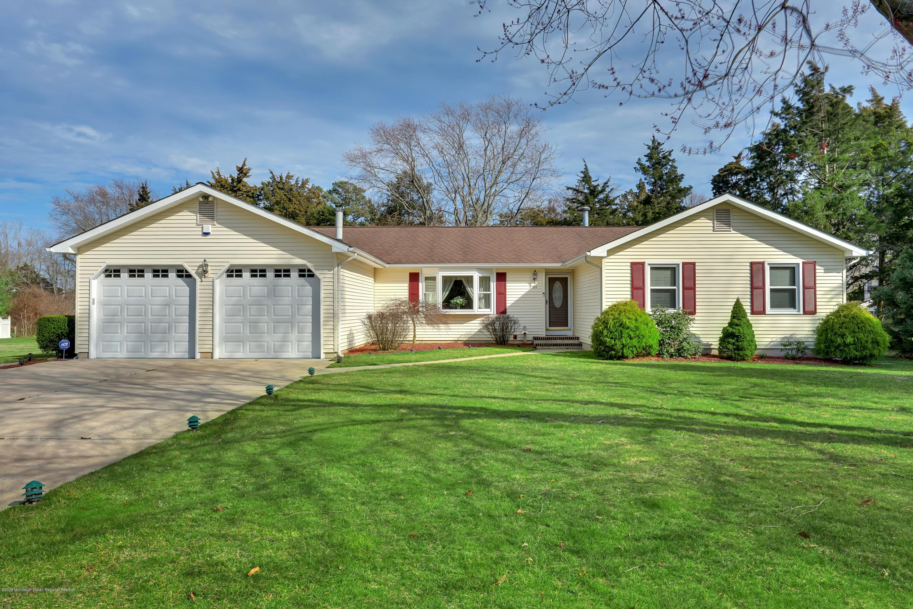 731 Railroad Avenue , Lanoka Harbor, NJ 08734