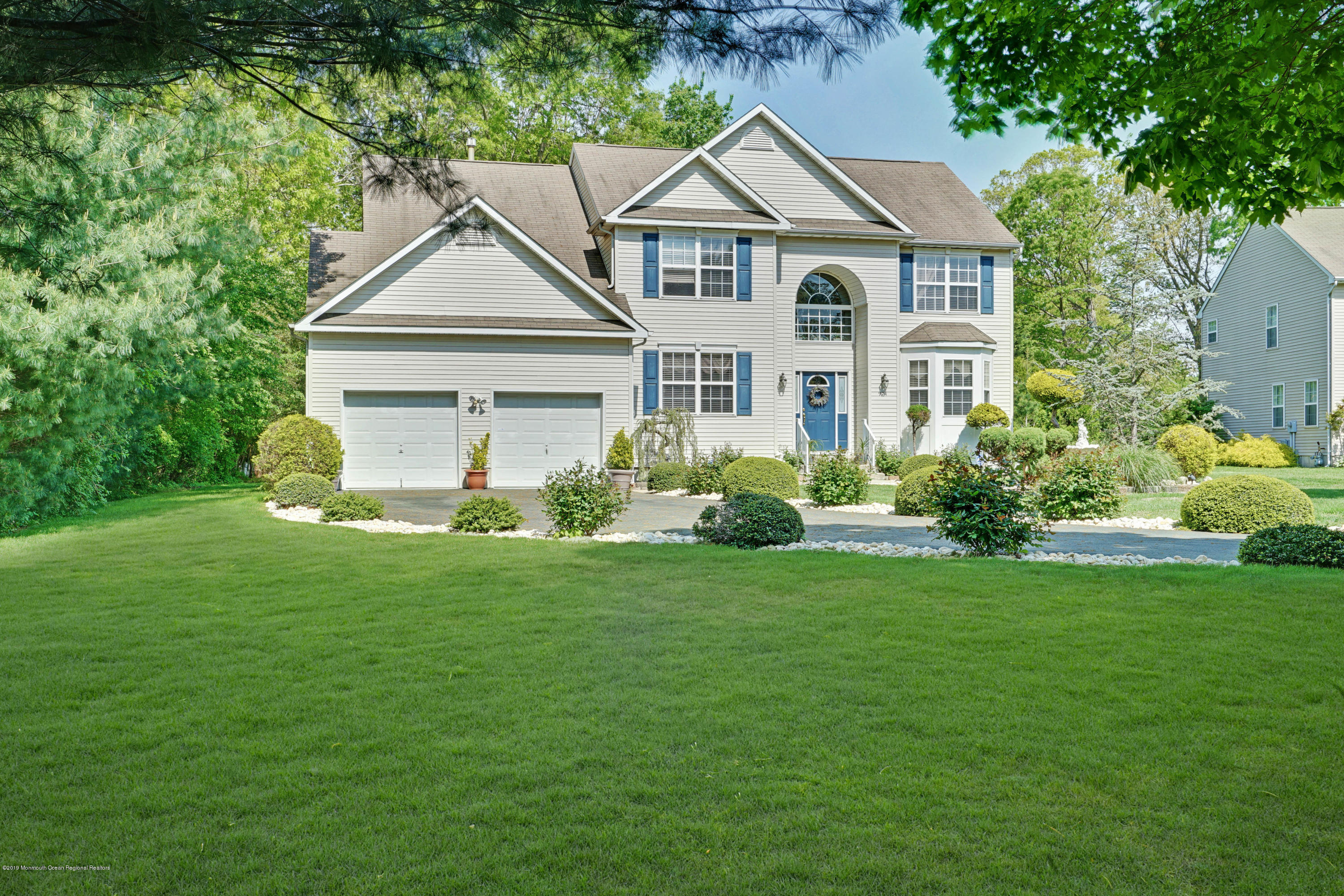 924 Green Hill Court , Toms River, NJ 08753