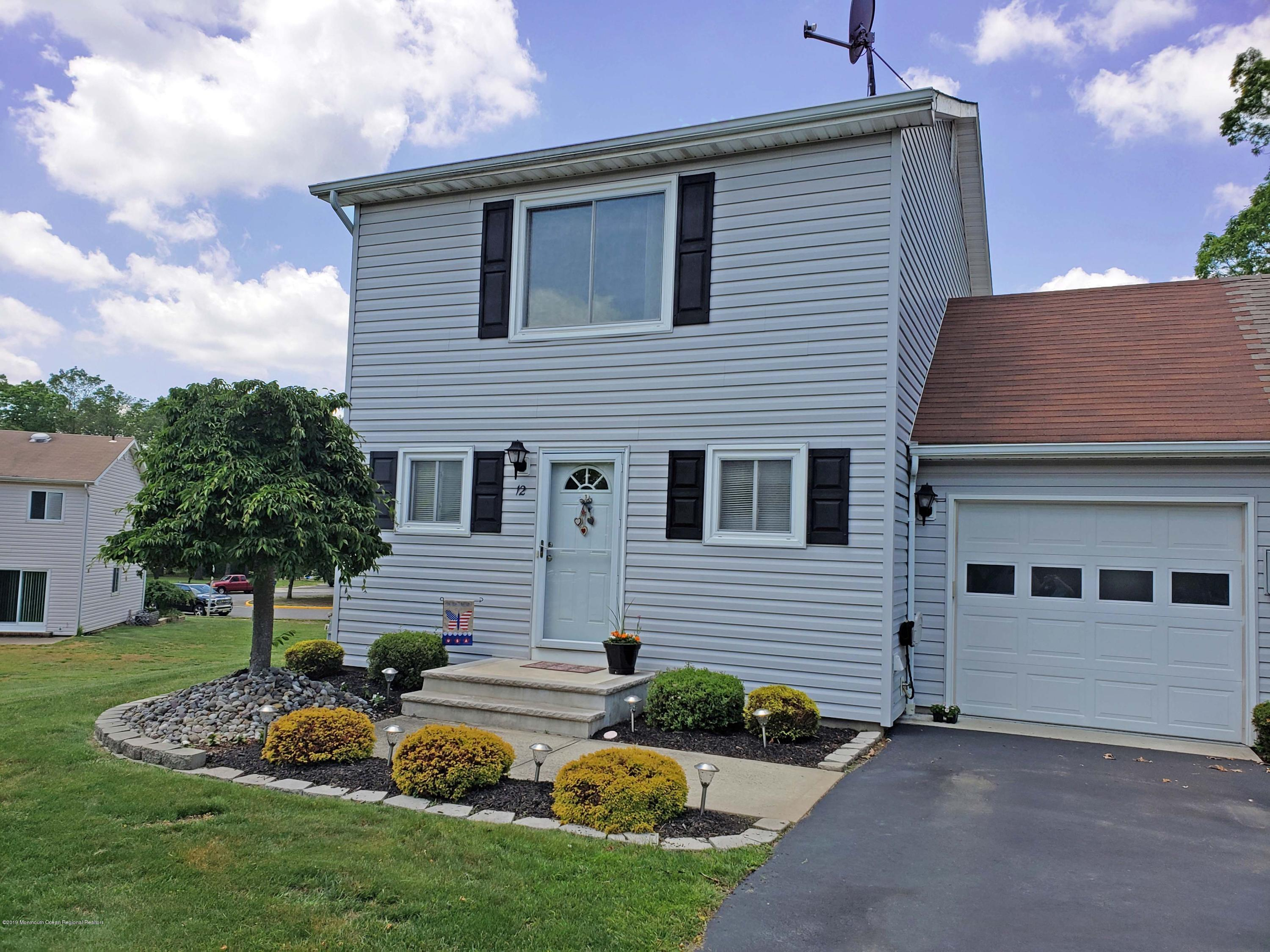 12 Tracey Court , Howell, NJ 07731