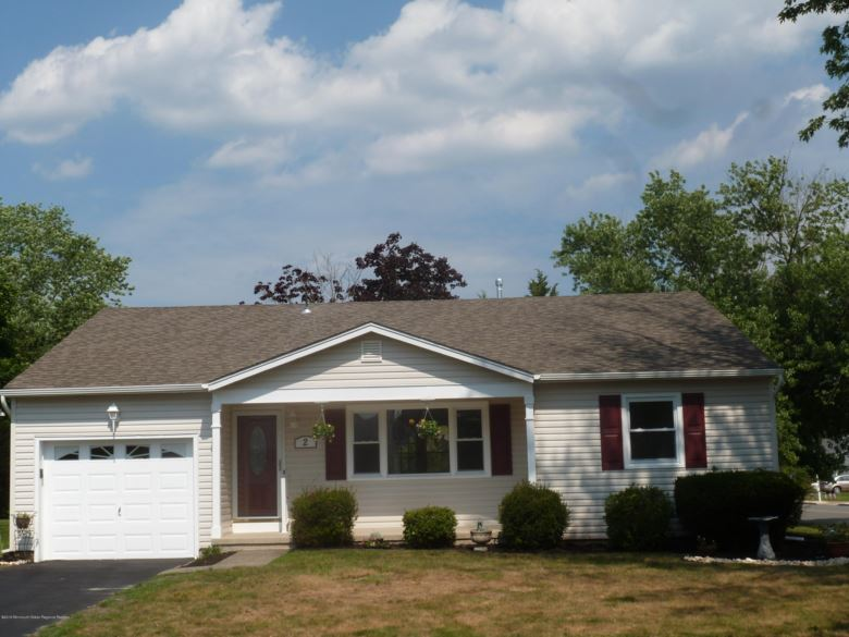 2 Salisbury Court, Toms River, NJ 08757