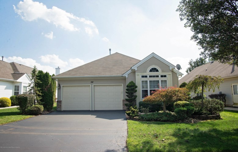 28 Derry Meeting Drive, Manalapan, NJ 07726