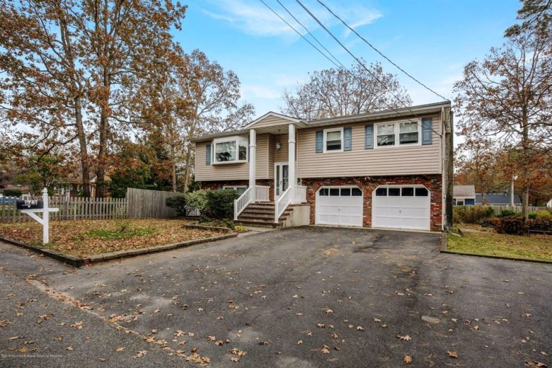 625 Tiller Avenue, Beachwood, NJ 08722