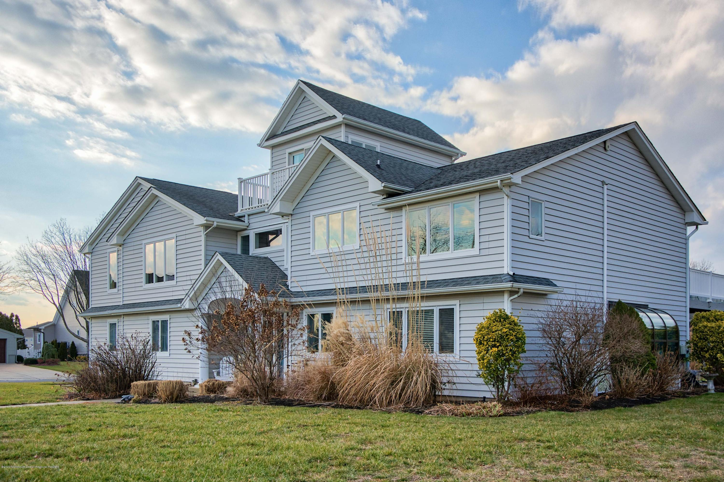 8 Mann Court , Monmouth Beach, NJ 07750