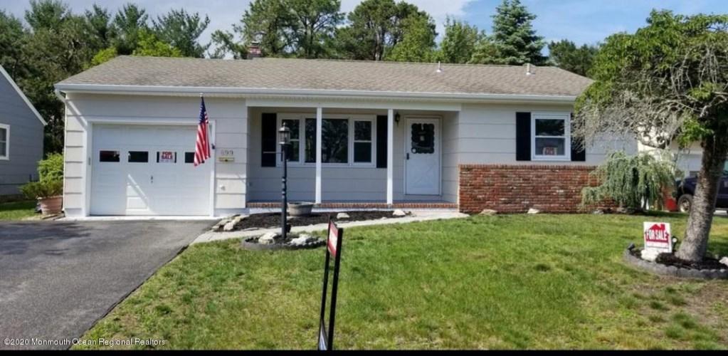 899 Edgebrook Drive, Toms River, NJ 08757