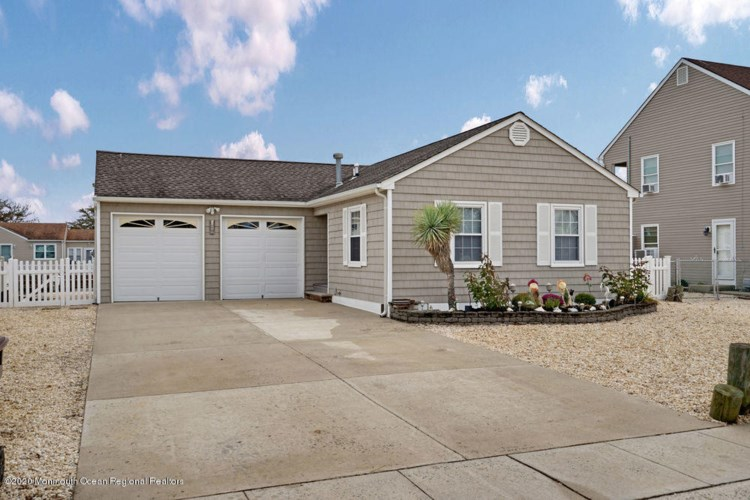 59 Windjammer Court, Bayville, NJ 08721