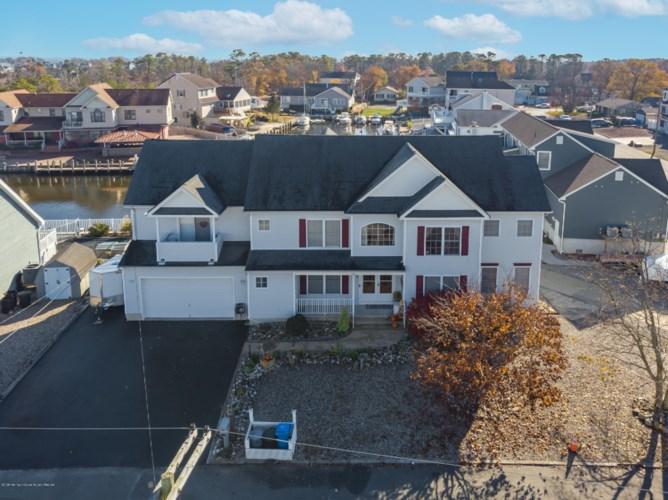 952 Meadowlark Drive, Lanoka Harbor, NJ 08734
