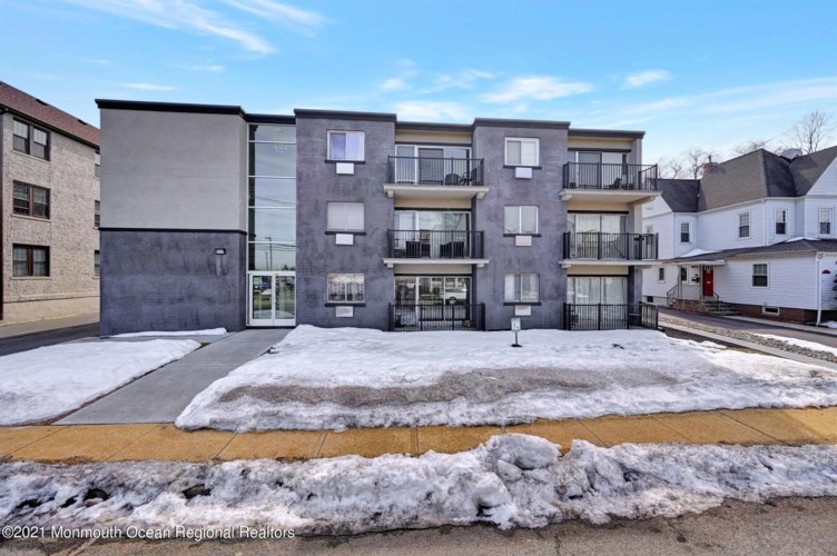 21 Leroy Place # 2C, Red Bank, NJ 07701