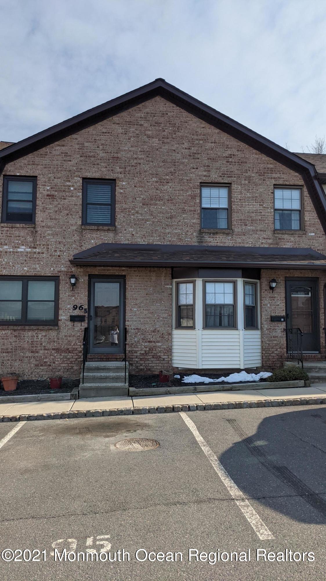95 Village Green Way , Hazlet, NJ 07730