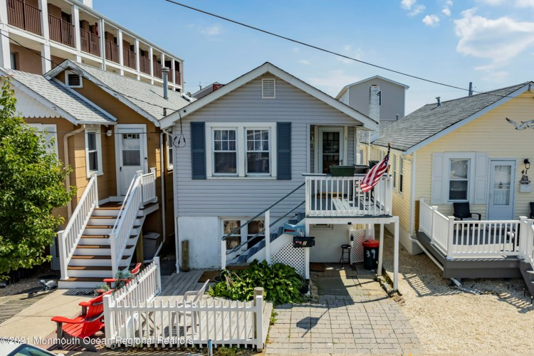 39 Carteret Avenue, Seaside Heights, NJ 08751