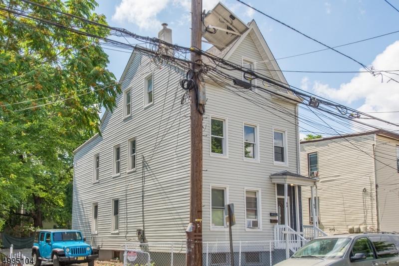 80-84 N 1ST ST, Paterson City, NJ 07522
