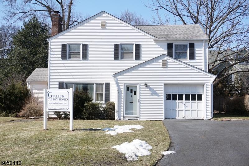 715 Castleman Dr, Westfield Town, NJ 07090