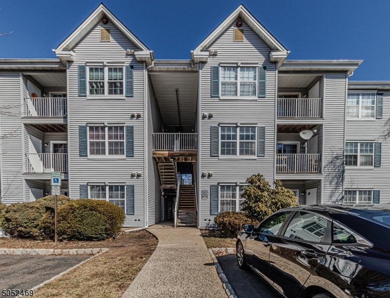 310 Stratford Pl, Bridgewater Twp., NJ 08805