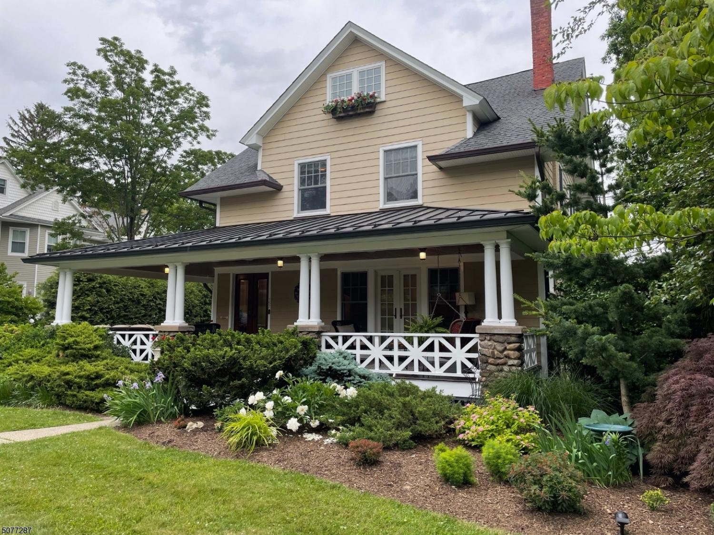 157 Melrose Pl, Ridgewood Village, NJ 07450
