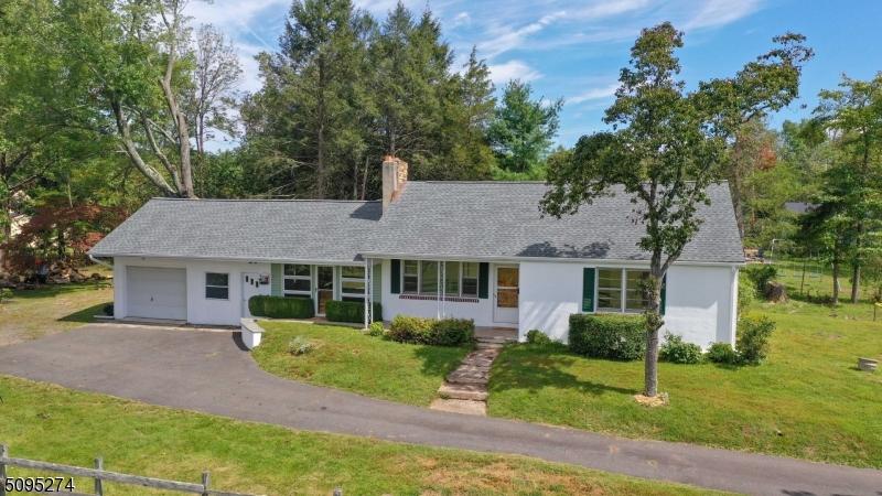 36 Fern Ridge Ln, Hopewell Twp., NJ 08560