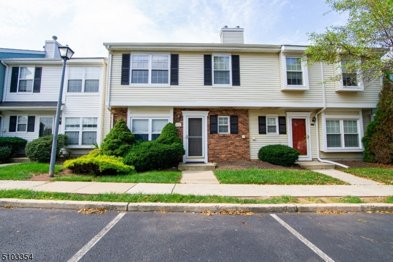 382 Inwood Ct, Franklin Twp., NJ 08873