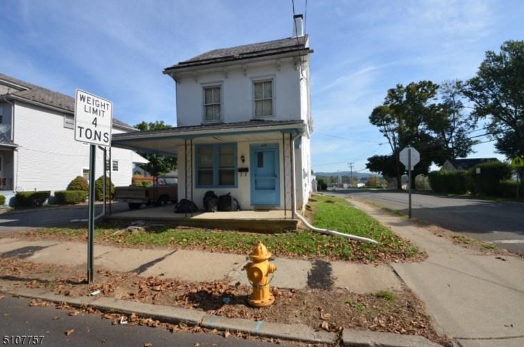 321 Bates St, Phillipsburg Town, NJ 08865
