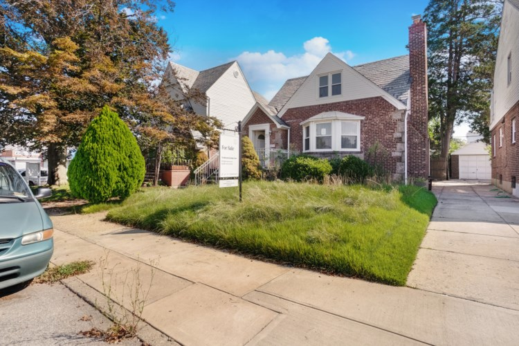 80-07 189 St., Queens, NY 11423