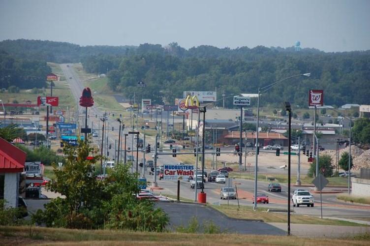 999 Preacher Roe Boulevard, West Plains, MO 65775