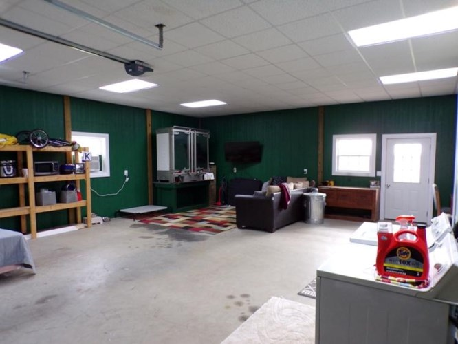 3365f County Road 3600, Willow Springs, MO 65793