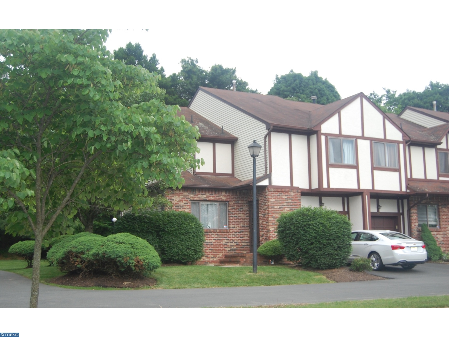 22 HASTINGS CT, EWING, NJ 08628