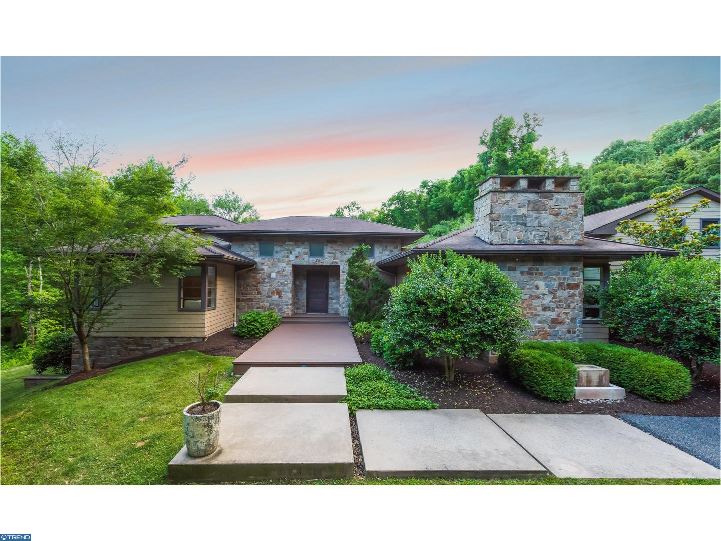 121 BULLOCK RD, CHADDS FORD, PA 19317