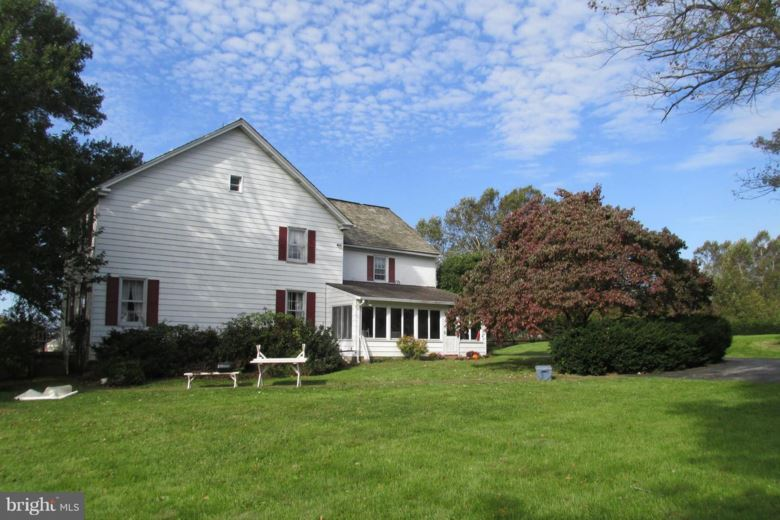 4000 LOWER VALLEY RD, PARKESBURG, PA 19365