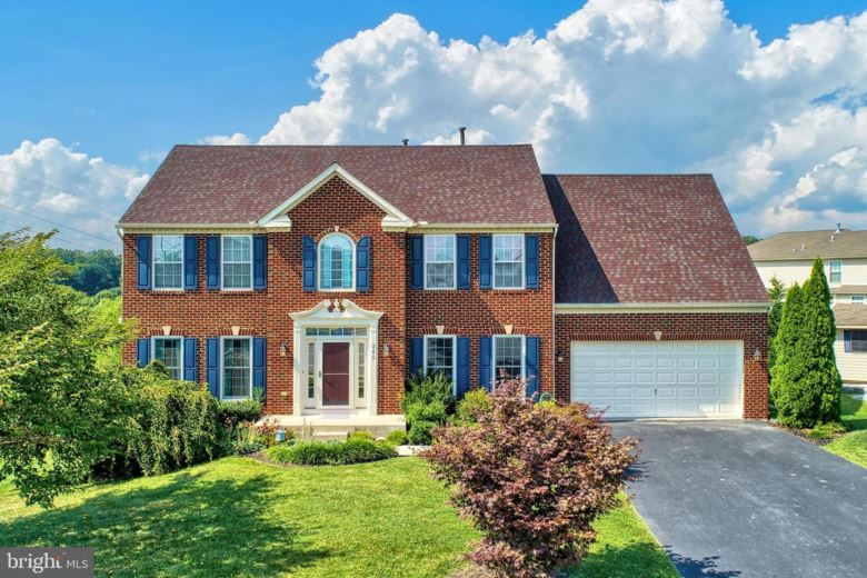 241 COURTNEY COURT, SPRING GROVE, PA 17362
