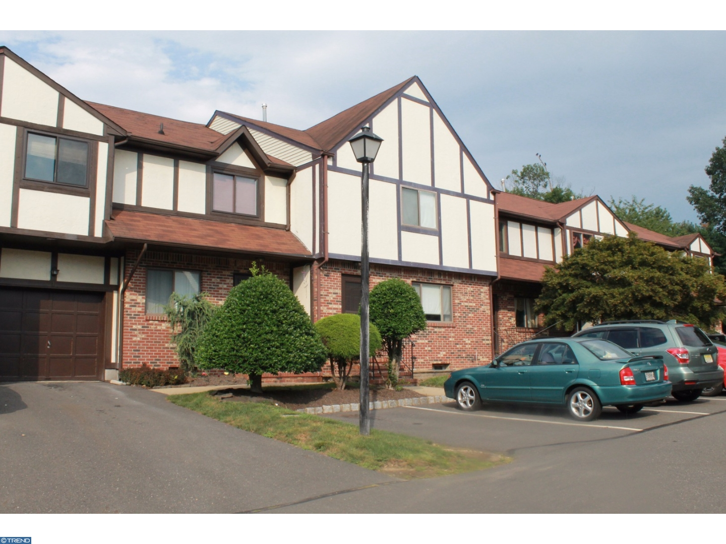 4 DEVONSHIRE CT, EWING TWP, NJ 08628
