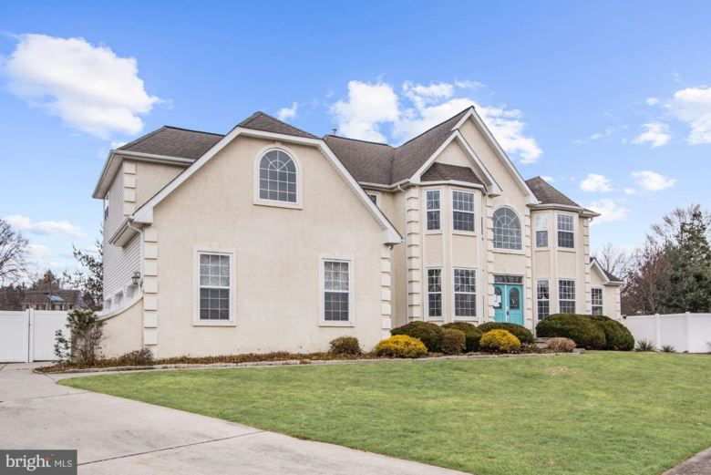 2 ENCLAVE CT, MARLTON, NJ 08053