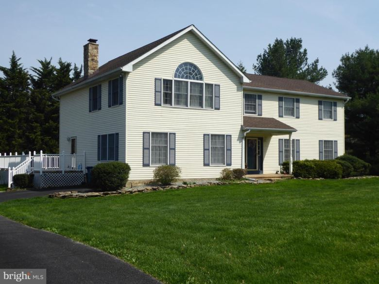 12 ROSEWOOD DR, WEST GROVE, PA 19390