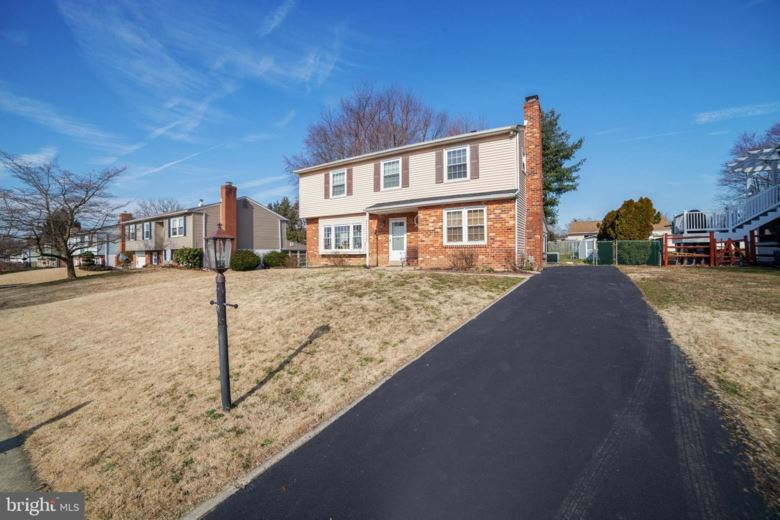 15 MULBERRY ST, BOOTHWYN, PA 19061