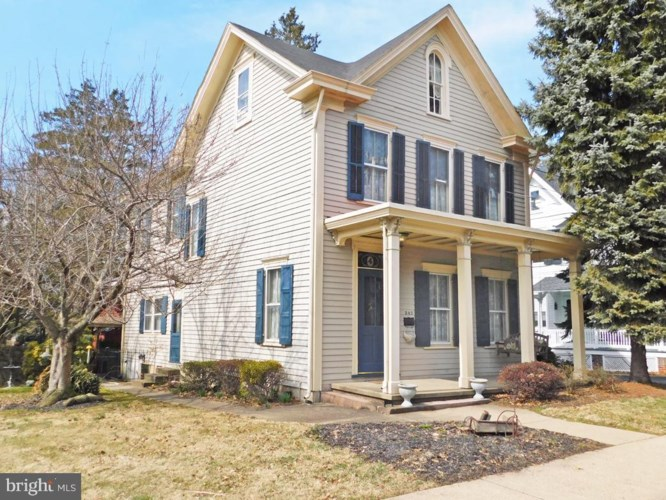 242 S STATE ST, NEWTOWN, PA 18940