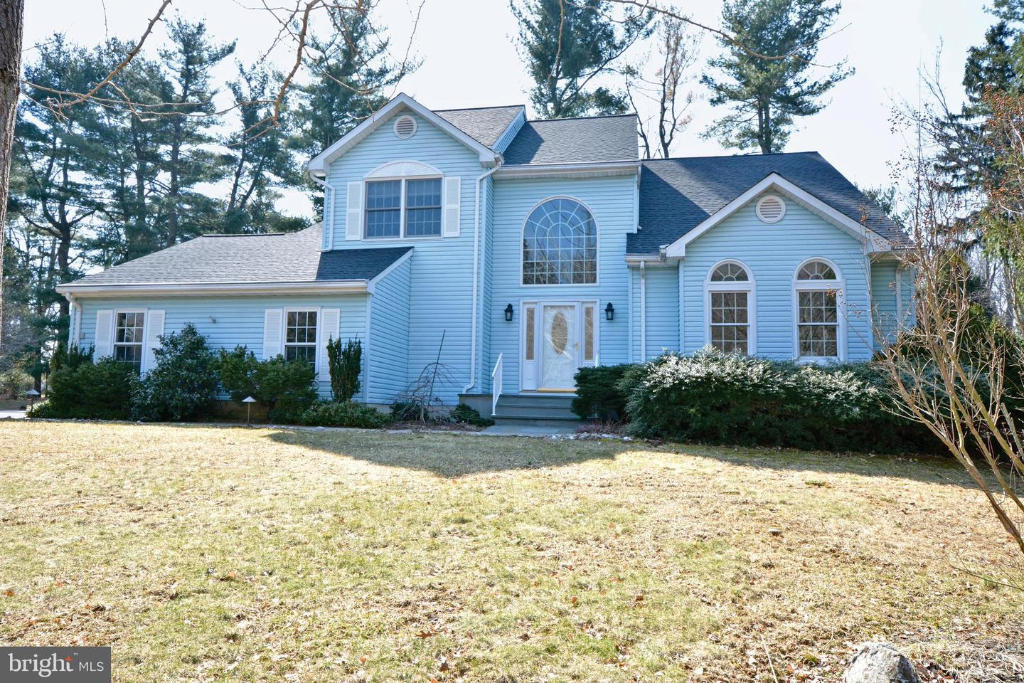 16 FRAN AVE, EWING, NJ 08638