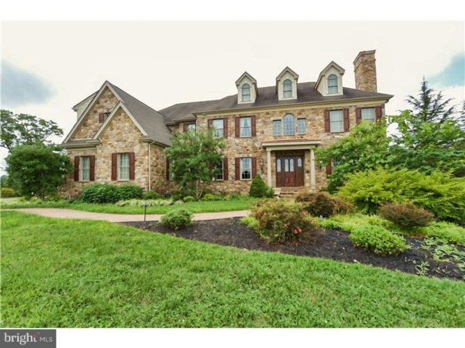 22 COLONIAL DR, WEST CHESTER, PA 19382