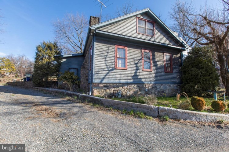 6211 LOWER YORK RD, NEW HOPE, PA 18938