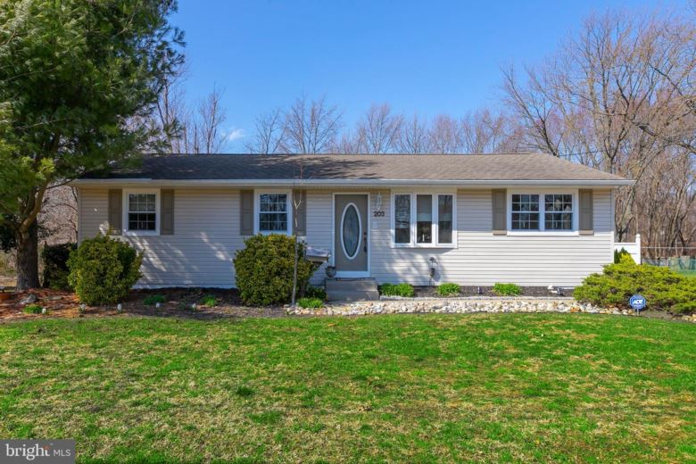 203 CENTRAL AVE, WOODBURY HEIGHTS, NJ 08097