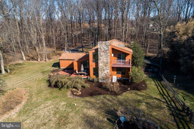 109 ARROW POINT DR, GLENMOORE, PA 19343