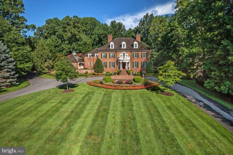 8517 COUNTRY CLUB DR, BETHESDA, MD 20817
