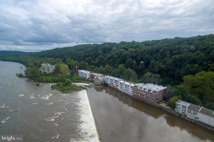 350 S RIVER RD #THE WATERWORKS F-4, NEW HOPE, PA 18938